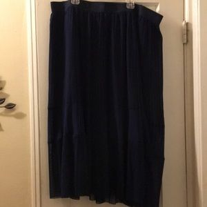 Dresses & Skirts - Torrid mid calf navy pleated skirt